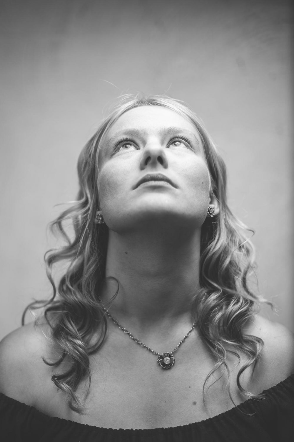 old holywood style dramatic black and white portrait