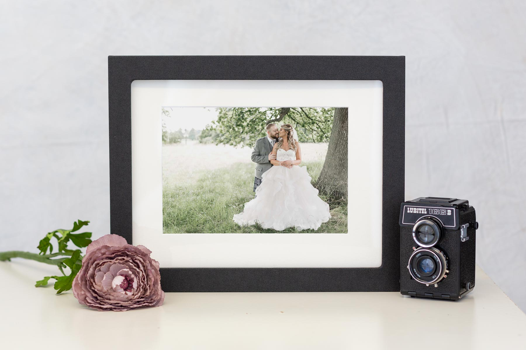 Picture Box to keep images stored and on display